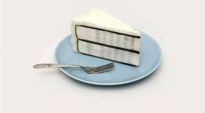 Image d'un livre-gâteau prêt à être dégusté